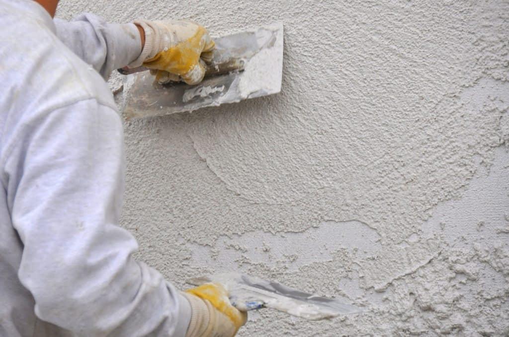 цементный раствор для штукатурки бетонных стен