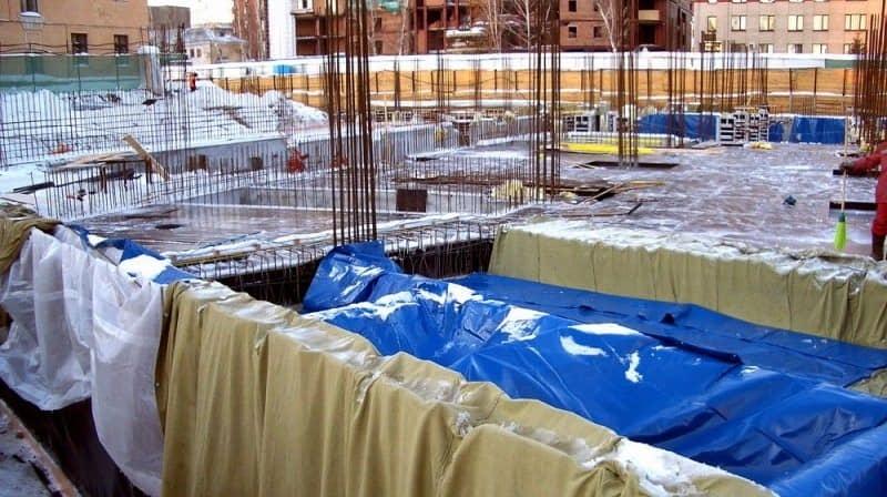 Бетонирование при отрицательной температуре - работа с бетоном при низкой температуре